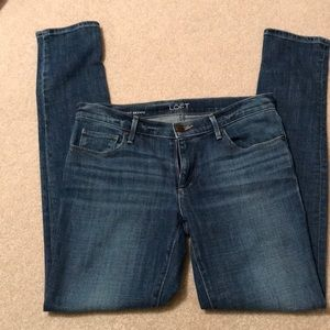LOFT. relaxed Skinny jeans. Size 2/26.
